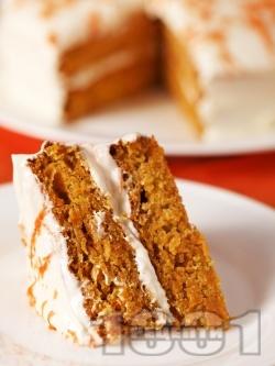 Морковена торта с канела и сметанов крем - снимка на рецептата